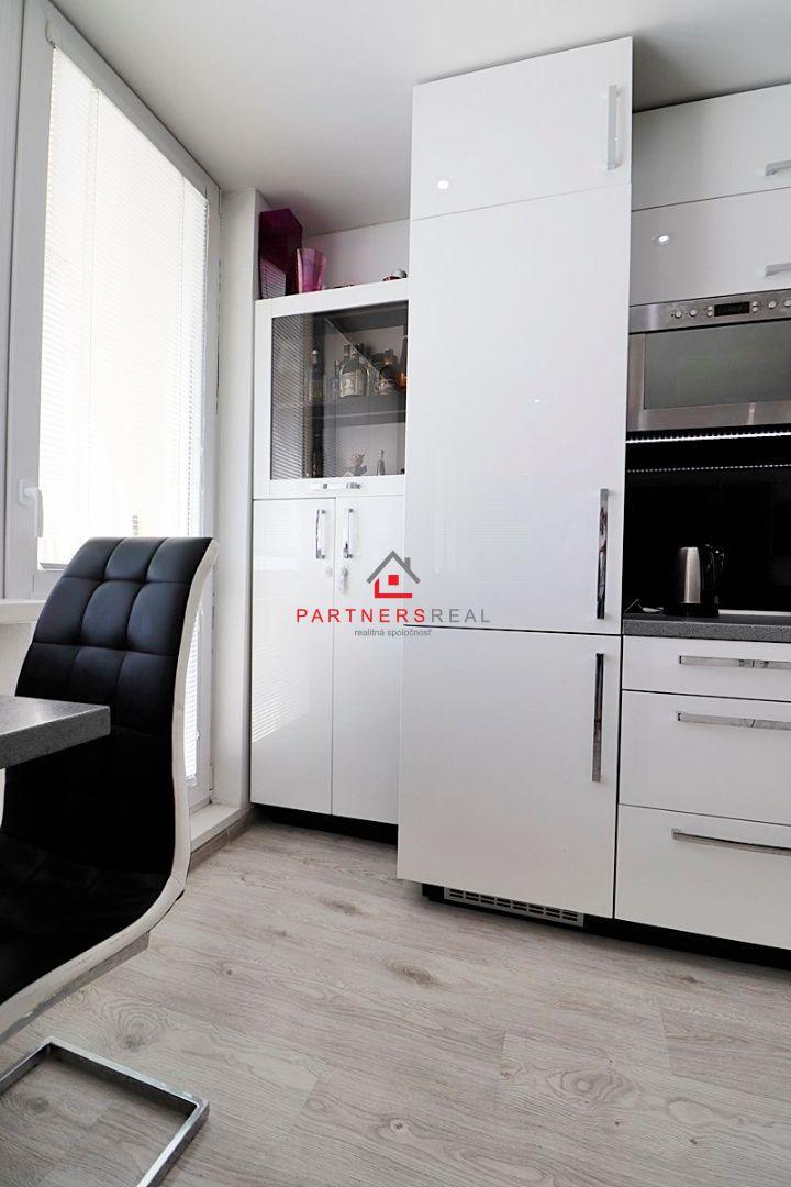 ac277afe1 Príjemný, kompletne zariadený, 3 izbový byt, 55m2+6m2 loggia, predaj,Košice-Terasa,Šafárikova  trieda