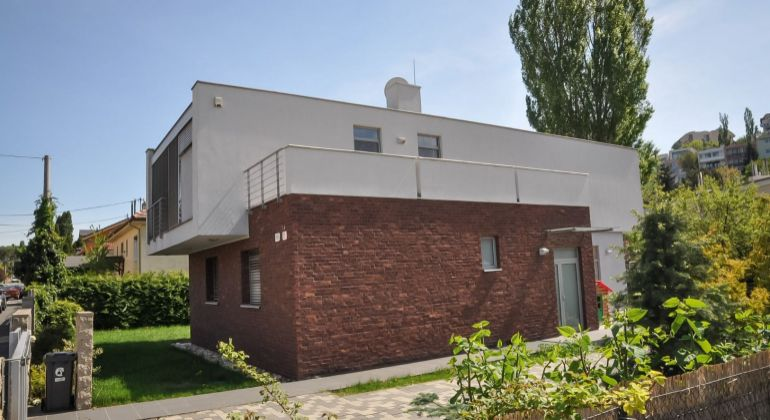 Prenájom dom Bratislava-Staré Mesto, Bohúňova ulica