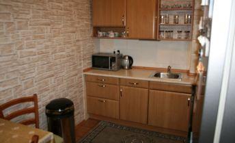 Exkluzívne ponúkame  na predaj ,krásny nebytový priestor ,ktorí je prerobený na  3 .izb byt,na Holičskej ul. v Petržalke