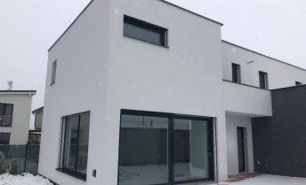 Ponúkame na predaj krásny - 6 izb. rodinny dom na Čiernej Vode