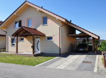 Novostavba 5 izb. rodinného domu v Slovenskom Grobe na 643 m2 pozemku