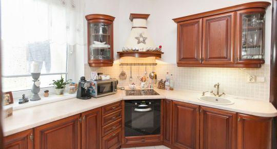 REZERVOVANÉ - Galanta, Eszterházyovcov: Predaj rekonštr. 3izb bytu 82m2 OV 2/2posch. Tehl. bytovka