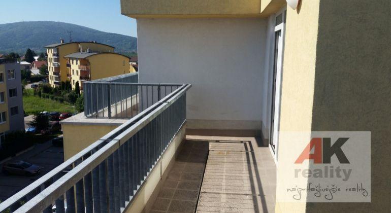 Predaj 3 izbový byt Bratislava-Devínska Nová Ves, Opletalova ulica