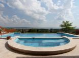 Luxus villa panorámával