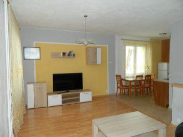 EXKLUZÍVNE predáme 3-izb. byt v super lokalite v Seredi