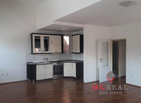 Prenájom 2 – izbový byt, centrum, Nitra