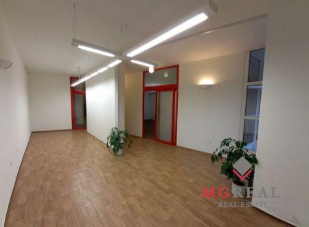 Priestranné kancelárske priestory v centre mesta, Nitra