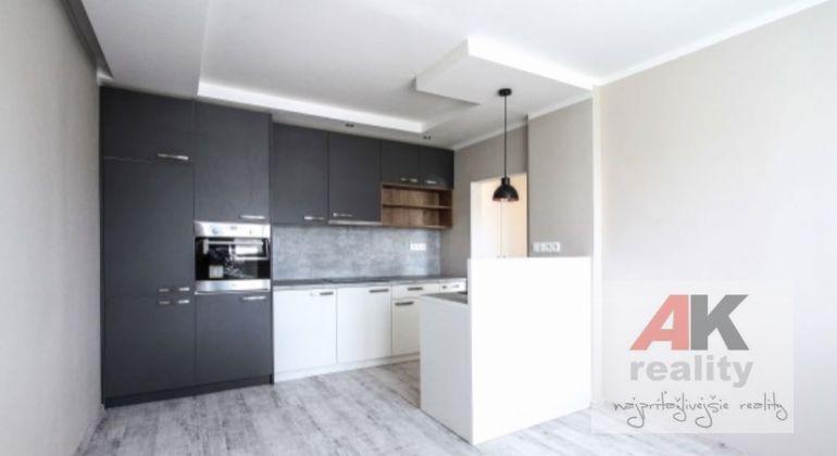 Predaj 2,5 izbový byt Bratislava-Dúbravka, Nejedlého ulica