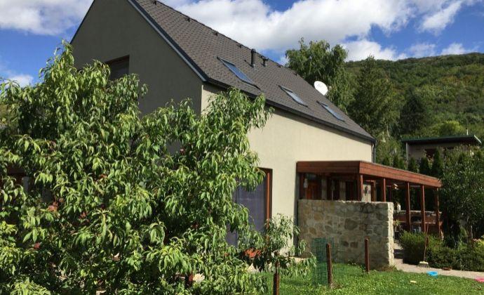 Prenájom: moderný  4i rodinný dom, novostavba, Bratislava IV - Devín, garáž, 2x terasa, okrasná záhrada