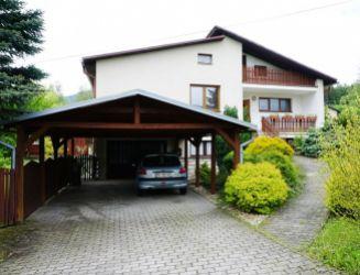 Na predaj dvojgeneračný 6 izbový rodinný dom, Martin - Stráne