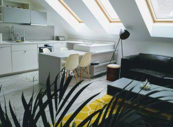 Dizajnový 2 izbový byt v historickom dome