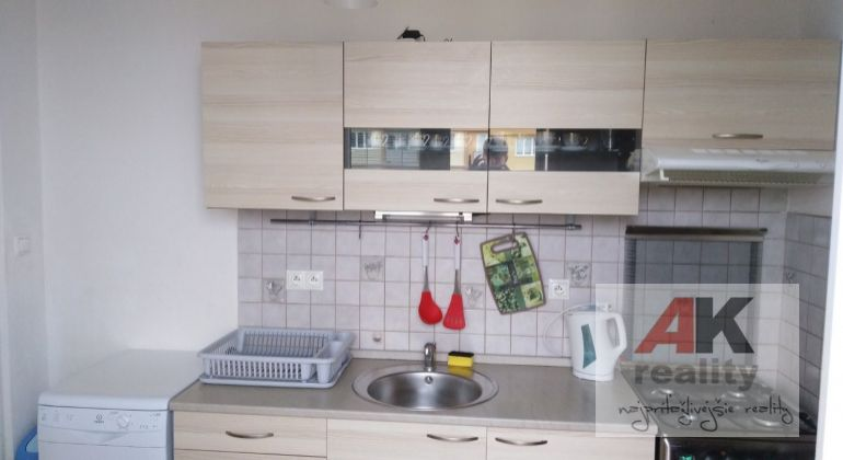 Prenájom 1 izbový byt Bratislava-Ružinov, Šándorova