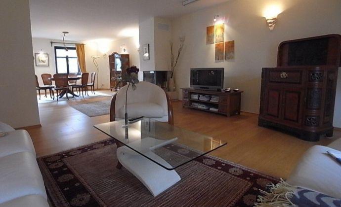 5 a ½ izb byt s terasou v absolútnom centre