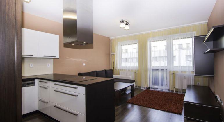 Prenájom 3 izbového bytu v novostavbe s garážovým státím