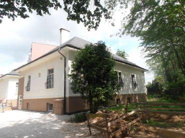 Na predaj budova - aktuálne ubytovňa/70 lôžok, Nové Mesto nad Váhom