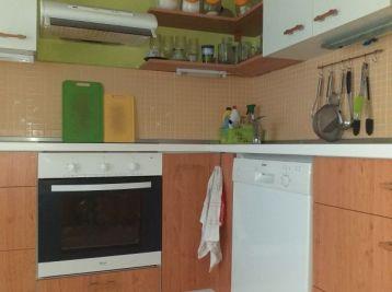 Pekný priestranný 4 izbový byt Banská Bystrica, Horná ulica.....2 x balkón a parkovacie miesto