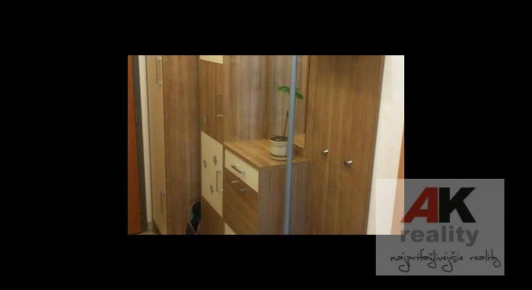 Prenájom 2 izbový byt Bratislava-Ružinov, Hrachová