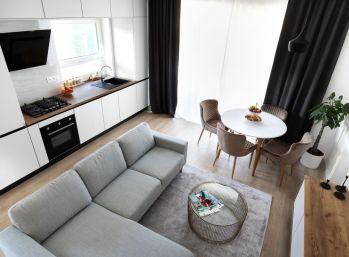Úplne nový 3-izbový byt s predzáhradkou a vlastným parkovaním