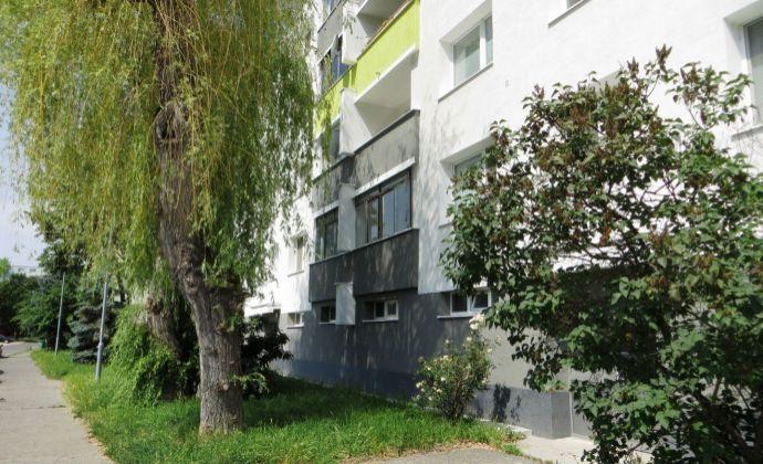 Best Real - predaj 3-izbového bytu v Podunajských Biskupiciach, Latorická ul., 1/4 posch., 67m2.