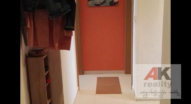 Prenájom 2 izbový byt Bratislava-Ružinov, Záhradnícka