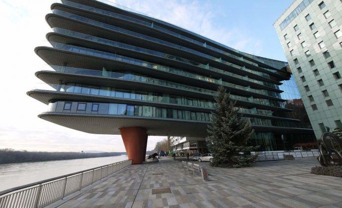 3-izbový luxusný apartmán v River Parku s parkingom pre náročných