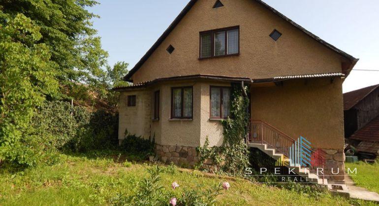 Exluzívne -Na predaj 4 izbový rodinný dom, 883 m2, Jalovec, okres Prievidza