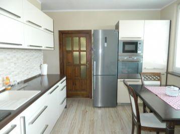 EXKLUZÍVNE predáme pekný 3-izb. byt v Seredi