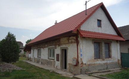 Vidiecky domček v Melčiciach-Lieskovom s pekným 1158 m2 pozemkom