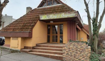 REALFINN  Prenájom - obchodné priestory Komárno