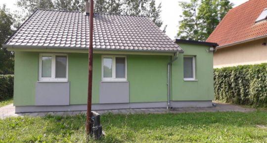 DIAMOND HOME s.r.o Vám ponúka na predaj  4 izbovú chatu v obci Jahodná 12 km od Dunajskej Stredy.