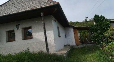 Len u nás! Predaj rodinného  domu v obci Hrušov.