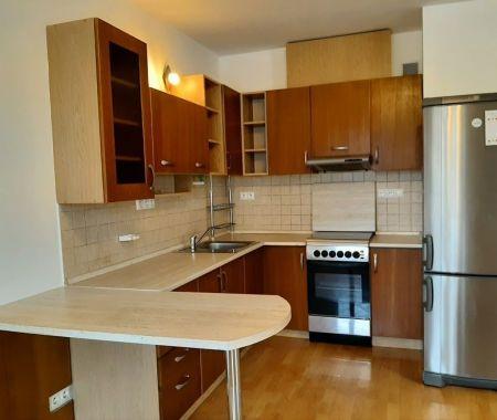 2 izbový  byt - PRENÁJOM, Poprad, Centrum, Viktória