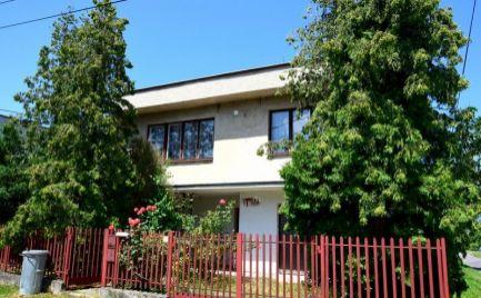 DMPD real Vám ponúka na predaj rodinný dom v obci Kamenec pod Vtáčnikom.