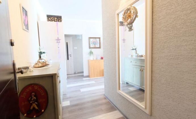 IBA U NÁS: Krásny moderný 1-izbový byt SENEC CENTRUM