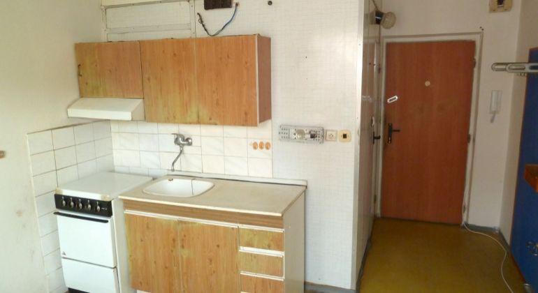Na predaj 1 izbový byt, Cinobaňa s balkónom
