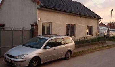 Predaj rodinný dom v pôvodnom stave v Obci Tureň okres Senec.