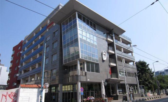 4-izbový nezariadený byt na Dunajskej ulici s parkingom, 143 m2
