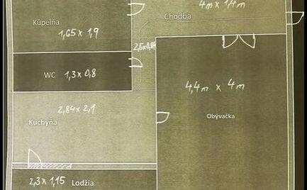 Veľký 1 izbový byt s lodžiou, 38 m2, B. Bystrica -  cena 60 000€
