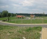 REZERVOVANÝ -pozemok v novovybudovanej časti obce VLKOVÁ-452m2, cena 30 Eur/m2