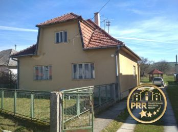 Rodinný dom s pozemkom 3179m2 v obci Podlužany pri Bánovciach n/B.- predaj