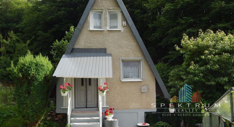 Exkluzívne-Na predaj záhrada s murovanou chatkou 392 m2, Handlová-Boriny, okres Prievidza