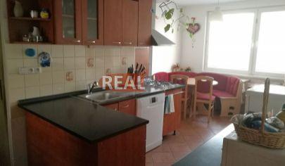 REALFINN - NOVÉ ZÁMKY - 3 izbový byt na predaj po celkovej rekoštrukcii