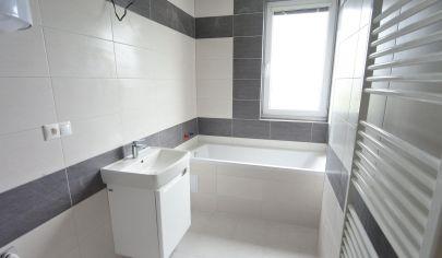 Exkluzívne APEX reality 3i. byt 72 m2 po komplet rekonštrukcii s garážou 17 m2, ul. Timravy Hlohovec