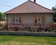 Rezervované /LEN U NÁS!!! DIAMOND HOME s.r.o. Vám ponúka na predaj rodinný dom neďaleko od Dunajskej Stredy v obci Orechová Potôň