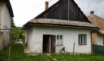 SKLENÉ 2 izbový dom na poz. 2240m2, okr. Turčianske Teplice