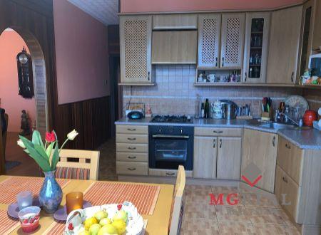 REZERVOVANÉ Na predaj 4 i byt 100 m2 v Partizánskom