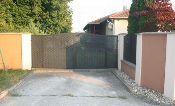 Ponúkame na predaj novostavbu 4 izbového bungalovu v Orechovej Potôni