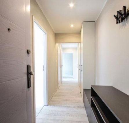 2,5 izbový byt 52,5 m2 - kompletne zrekonštruovaný - na 4/8 p. na ul. Nejedlého - Bratislava - Dúbravka