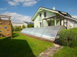 Predaj: samostatne stojaci RD, altánok, bazén, garáž, solárne panely, Dunajská Lužná