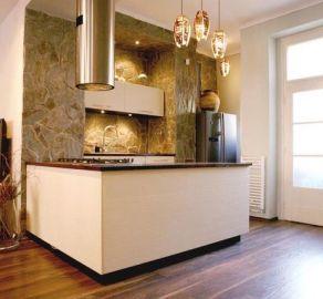 STARBROKERS - Prenájom - Exkluzívny 3-izbový byt, Staré mesto, ul. Zochova s vnútorným dvorom